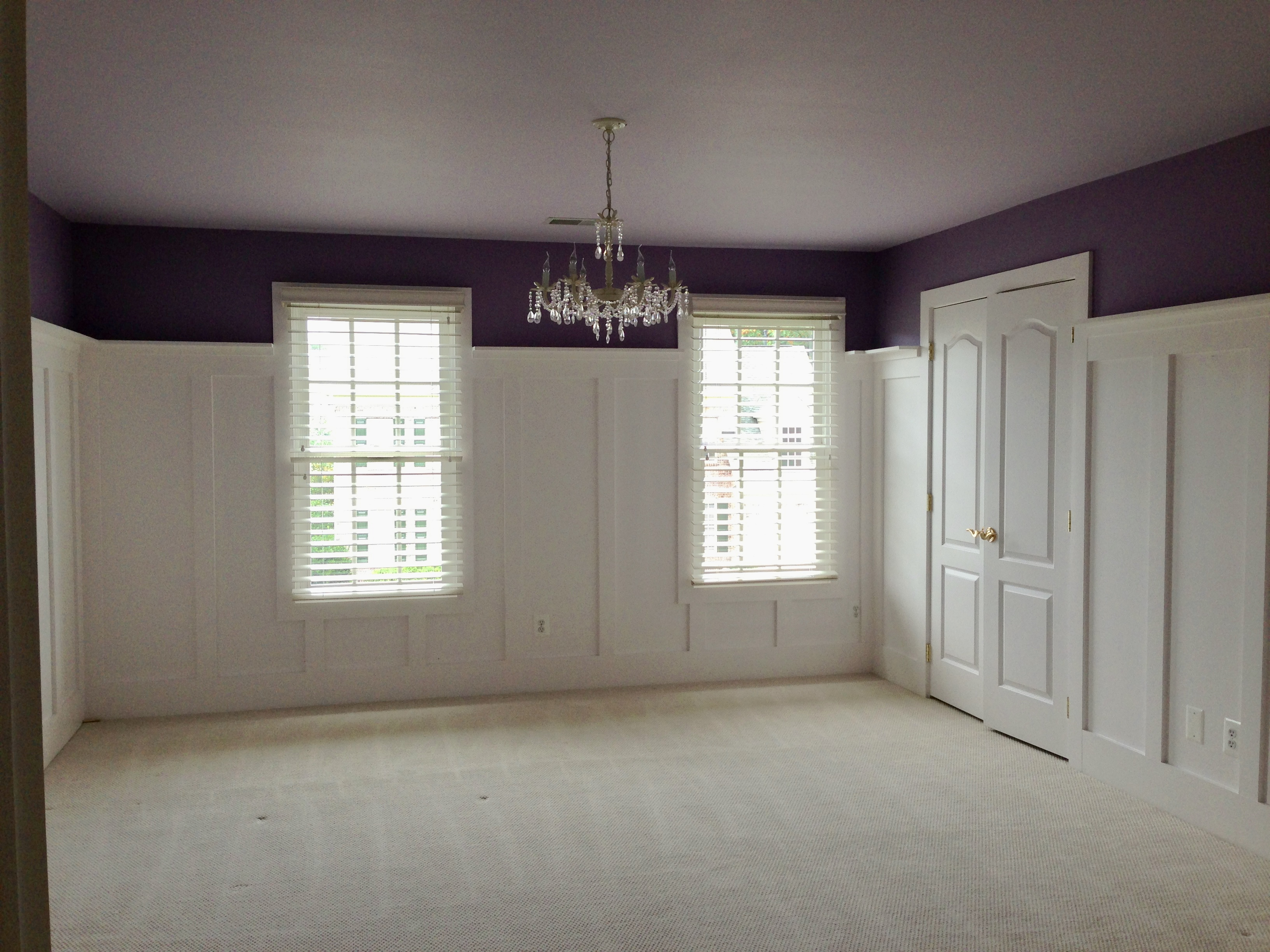 Create That Farmhouse Feel With Wainscoting Board And Batten Style