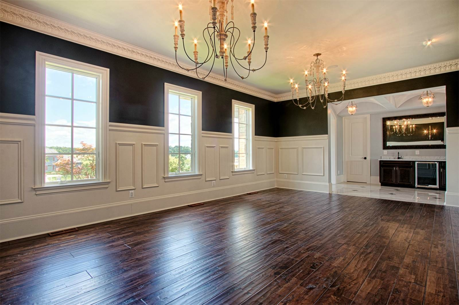 What Type of Wainscoting Is Right for Your Home? Explore Different Styles
