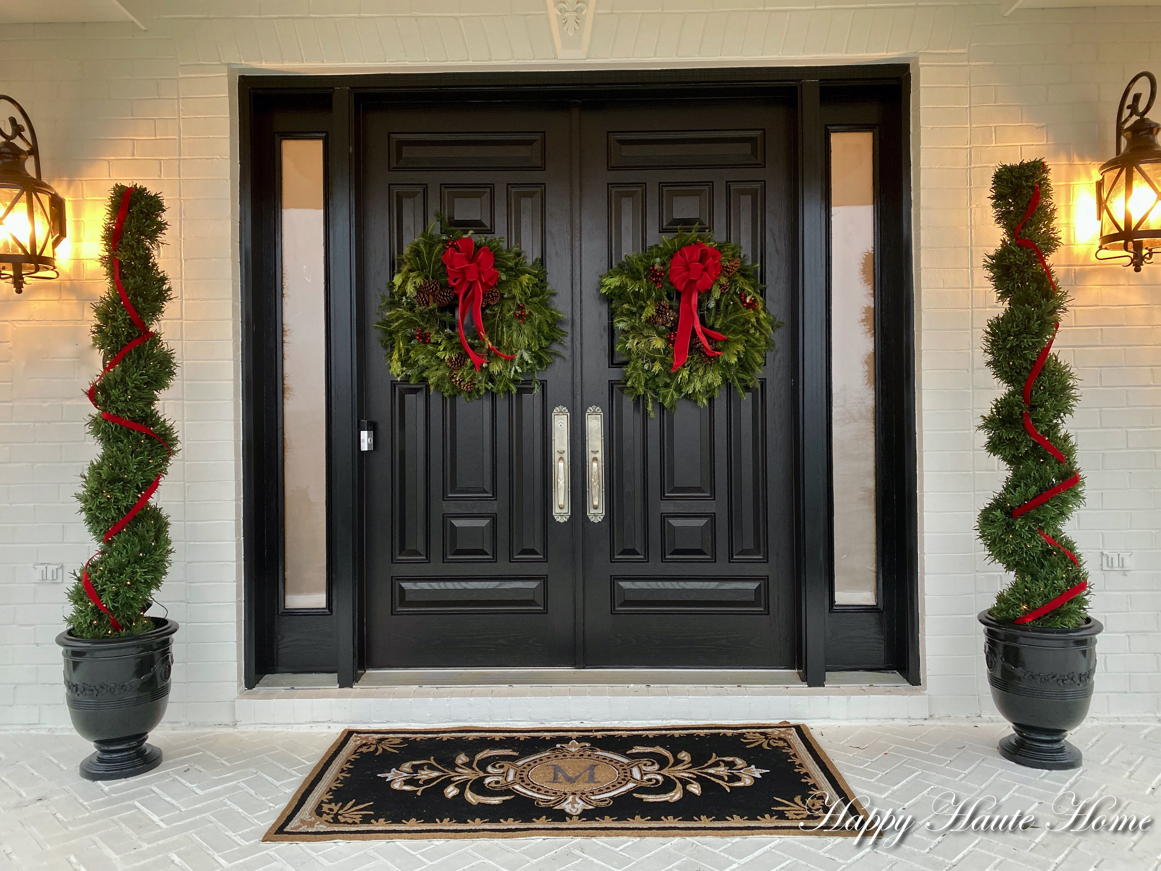 Easy Christmas Decor For The Front Porch 2019 Happy Haute Home